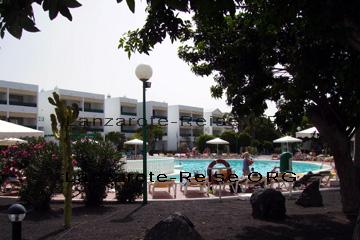 Hotel mit Swimming Pool auf der Insel Lanzarote.