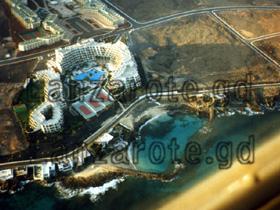 Luftbild Hotel Oasis beim Lanzarote Rundflug.