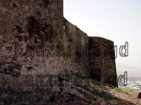 Burgmauer der Burg in Teguise.