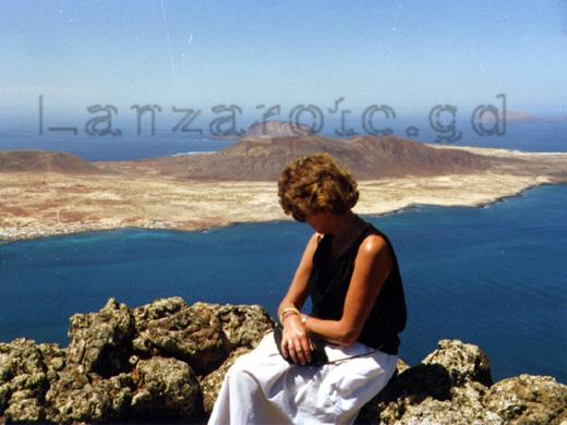 Aussicht auf die vorgelagerte Insel Isla Graciosa im Norden der Kanarischen Insel Lanzarote.