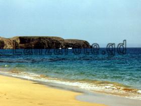 Strandabschnitt an der Playa bastian nahe der Ferienanlage Los Molinos an der Costa Teguise.