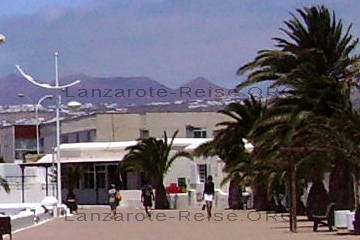 Beim Flanieren auf der Strandpromenade von der Playa Honda.